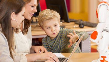 Alumnos de primaria y secundaria trabajaran en puestos que aún no se han inventado